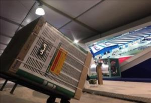 ششمین نمایشگاه عرضه محصولات لوازم خانگی   آماده باش برندهای لوازم خانگی در شب افتتاحیه+عکس