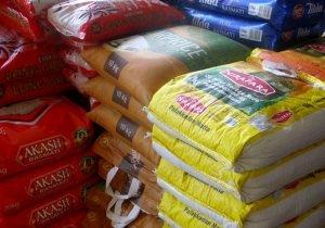 رئیس اتحادیه بنکداران مواد غذایی: افزایش ۲۵ درصدی قیمت برنج هندی/ دولت برای شکستن حباب قیمتی، برنجهای وارداتی را از گمرک ترخیص کند.